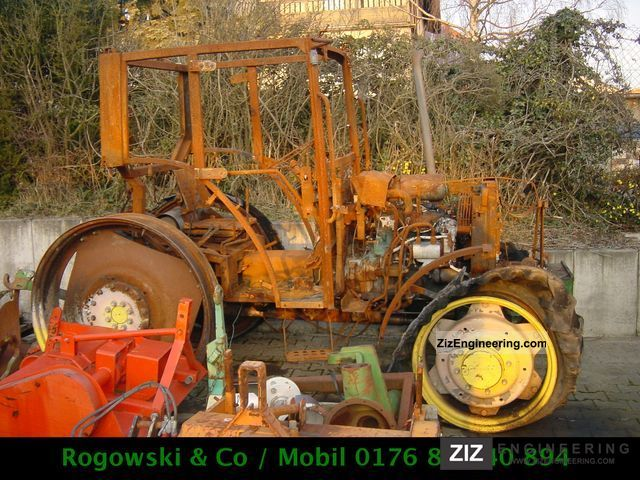 2000 John Deere  5515 Agricultural vehicle Tractor photo