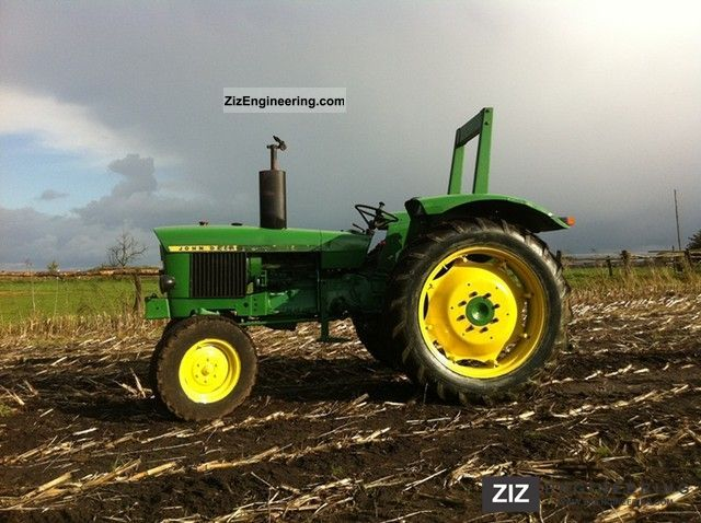 1973 John Deere  1020 Agricultural vehicle Tractor photo