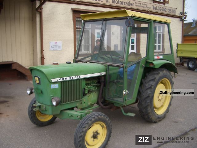 1973 John Deere  820 Agricultural vehicle Tractor photo