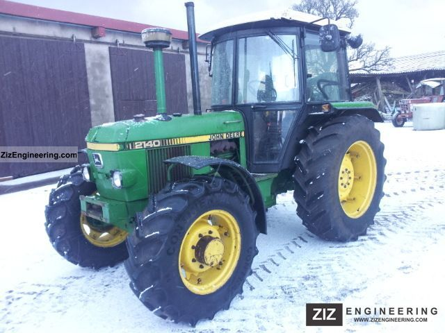 1986 John Deere  2140 Agricultural vehicle Tractor photo