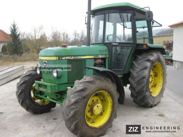 1982 John Deere  2140 Agricultural vehicle Tractor photo