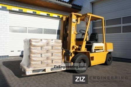 1989 Komatsu  FD 25 T 10 Forklift truck Front-mounted forklift truck photo