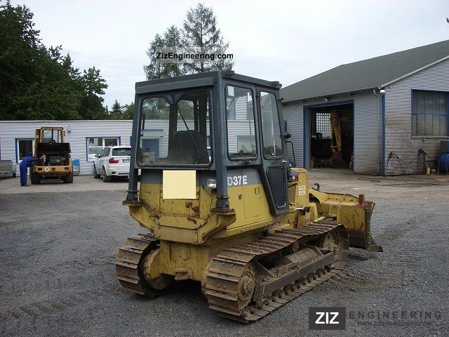 1993 Komatsu  D 37 E-5, in good condition Construction machine Dozer photo