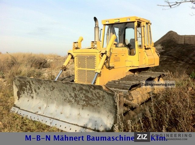 1985 Komatsu  D53P-17 (165) Construction machine Dozer photo