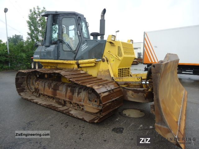 2001 Komatsu  D61PX-12 marsh caterpillar plates 6-way air shield Construction machine Dozer photo