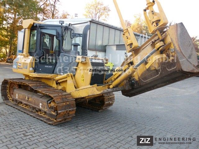 2007 Komatsu  Caterpillar D41 Construction machine Dozer photo