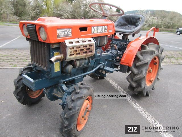 2011 Kubota  B 5000 wheel Agricultural vehicle Tractor photo