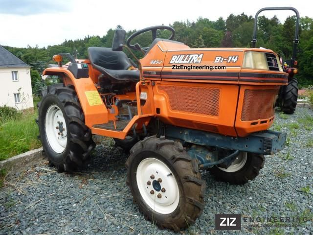 2011 Kubota  B1-14 DT Agricultural vehicle Tractor photo