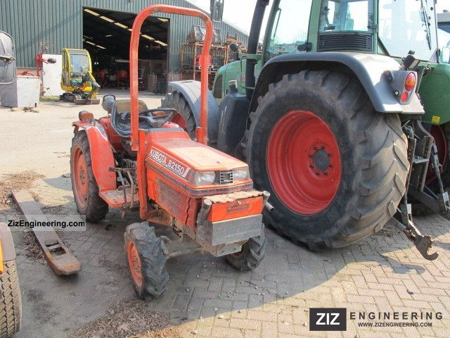 2011 Kubota  B2150 Compact Agricultural vehicle Tractor photo