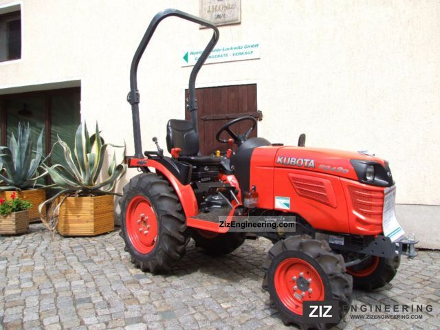 2012 Kubota  B2420 Agricultural vehicle Tractor photo