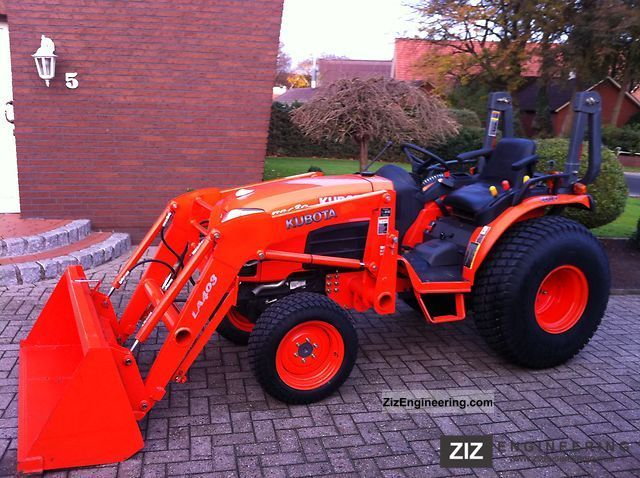 2010 Kubota  B2630 Agricultural vehicle Tractor photo