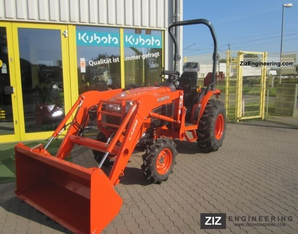 2010 Kubota  B3030HDS Agricultural vehicle Tractor photo