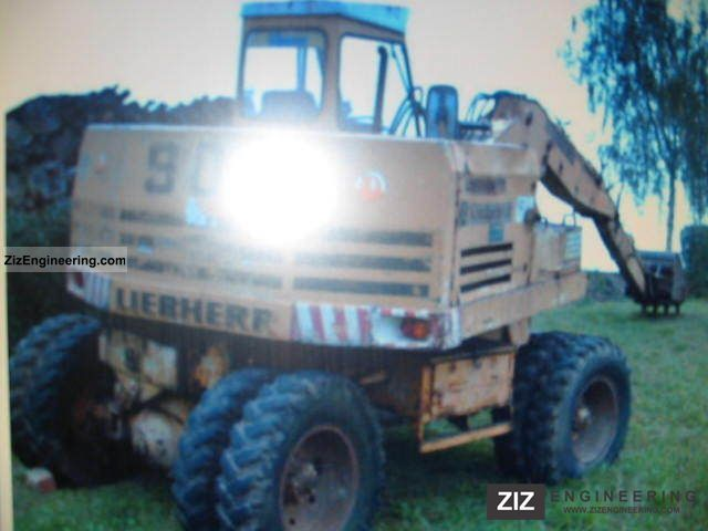1975 Liebherr  901 Construction machine Mobile digger photo