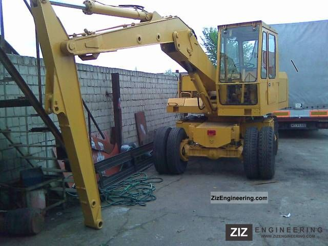 1980 Liebherr  901 Construction machine Mobile digger photo
