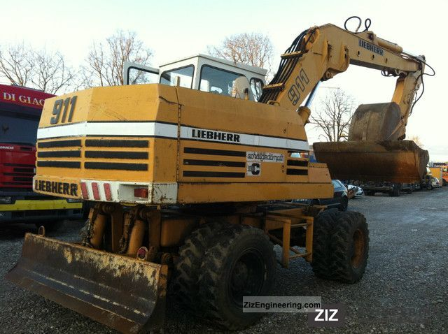 1980 Liebherr  911C, with grippers, Tiflöffel, heater Construction machine Mobile digger photo
