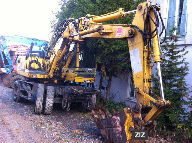 1993 Liebherr  900 ZW Litronic / 18 tons / TOP! Construction machine Mobile digger photo