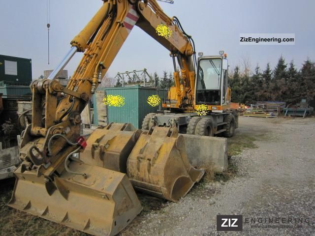 2001 Liebherr  904 Litronic Construction machine Mobile digger photo