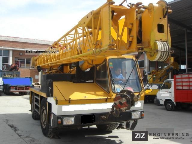 1988 Liebherr  KRUPP 2025 Truck over 7.5t Truck-mounted crane photo