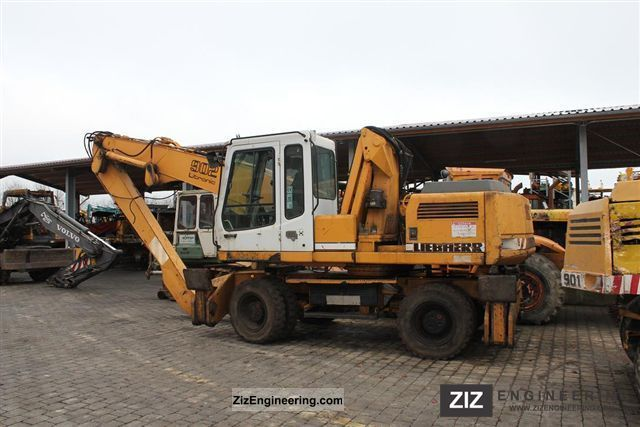 1997 Liebherr  902 litronic Construction machine Mobile digger photo