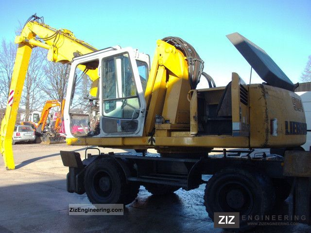 2001 Liebherr  904 Construction machine Mobile digger photo