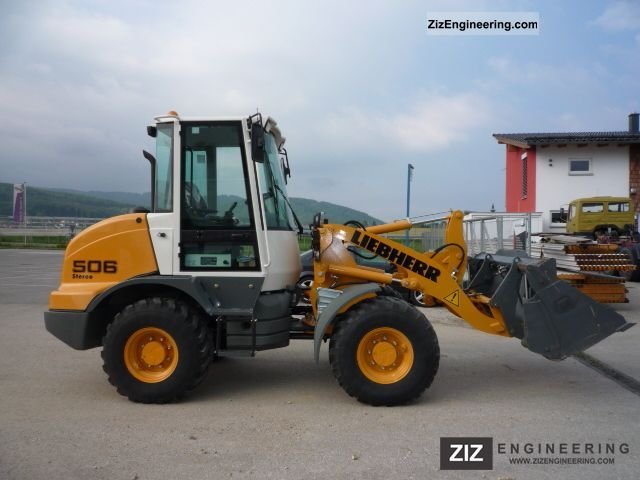 liebherr 506 2011 wheeled loader construction equipment photo and specs. Black Bedroom Furniture Sets. Home Design Ideas