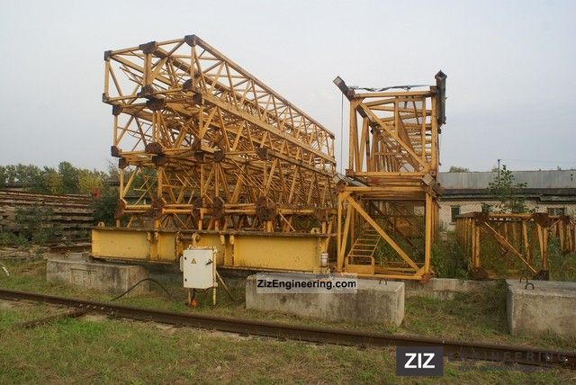 1991 Liebherr  112 EC-H Construction machine Construction crane photo