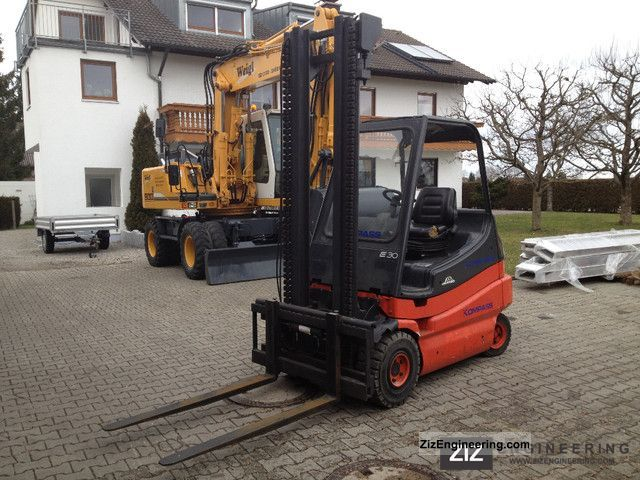 1997 Linde  E 30 electric forklift with charger Forklift truck Front-mounted forklift truck photo