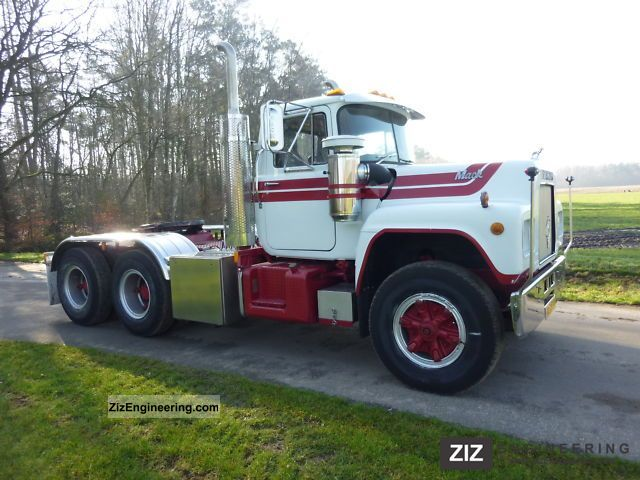 Mack R 611 1977 Standard Tractor Trailer Unit Photo And Specs