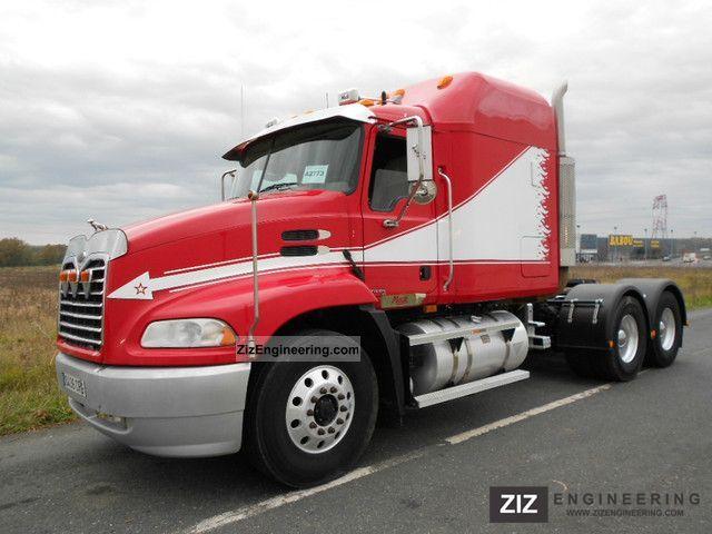 2004 Mack  CX 613 6x4 VISION SPAIN Semi-trailer truck Standard tractor/trailer unit photo
