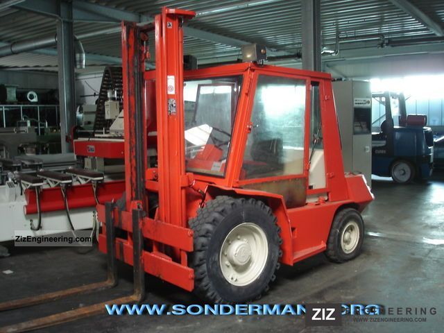 1989 Manitou  MCL 30 H Forklift truck Rough-terrain forklift truck photo