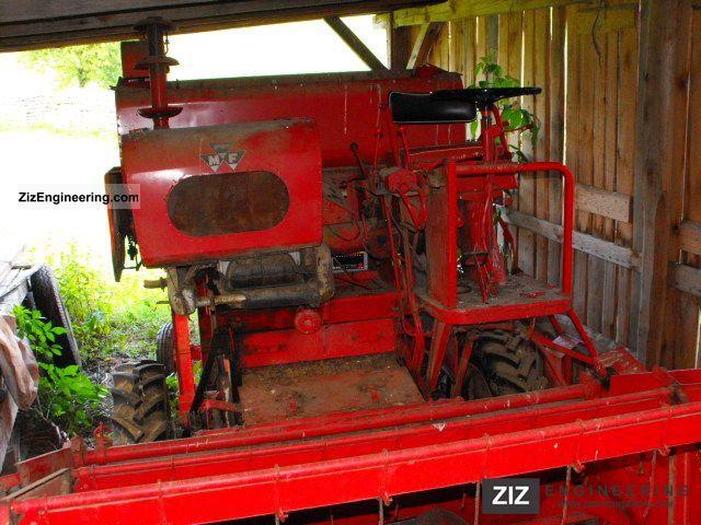 2011 Massey Ferguson  MF30 Agricultural vehicle Combine harvester photo