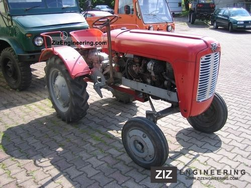 1959 Massey Ferguson  821 Agricultural vehicle Tractor photo