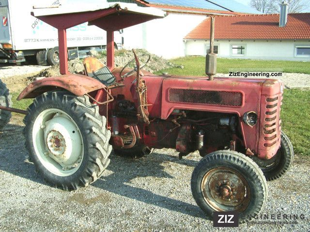 1966 McCormick  B 275 Agricultural vehicle Tractor photo