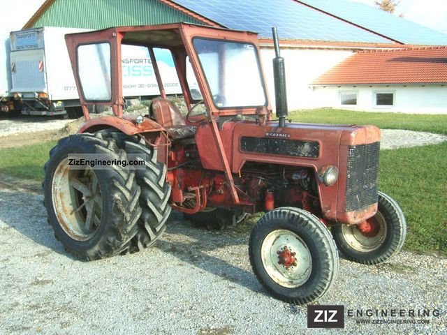 1966 McCormick  B 414 Agricultural vehicle Tractor photo