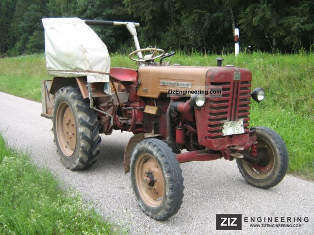 1960 McCormick  D-214 Agricultural vehicle Tractor photo