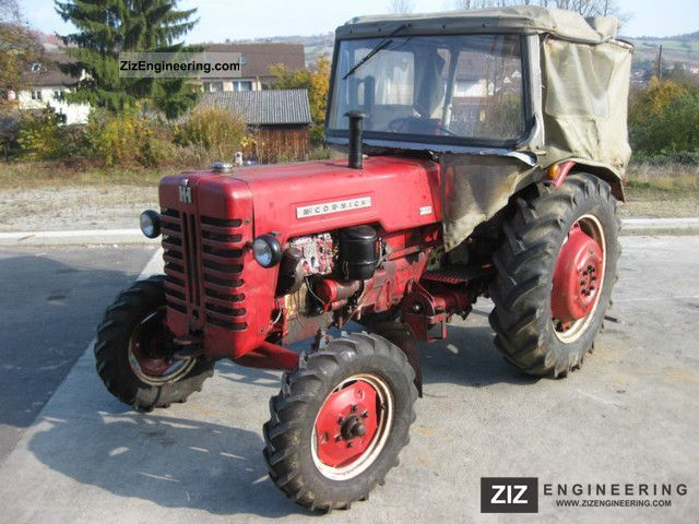 1960 McCormick  436 Agricultural vehicle Tractor photo