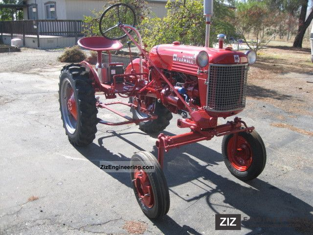 1953 McCormick  Farmall Club Agricultural vehicle Tractor photo