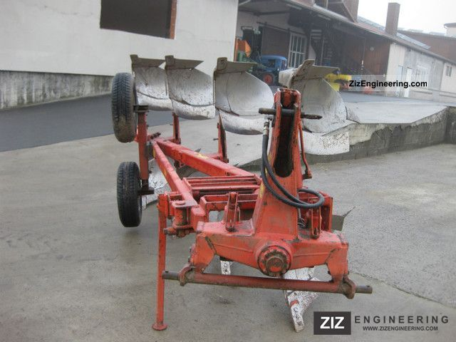 2011 Niemeyer  Vollymat 25/700 Agricultural vehicle Plough photo