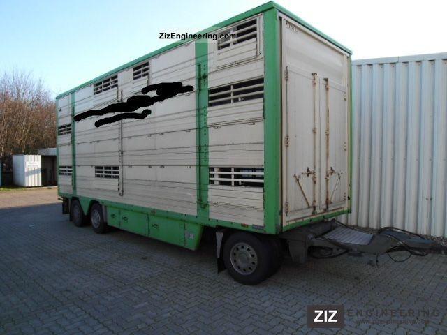 1999 Pezzaioli  3Stock potions fan Trailer Cattle truck photo
