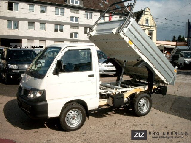2012 Piaggio  Porter (Daihatsu HiJet) Tipper STOCK Van or truck up to 7.5t Tipper photo