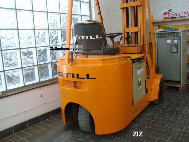 1973 Still  1.25 EFG electric forklift with charger Forklift truck Front-mounted forklift truck photo