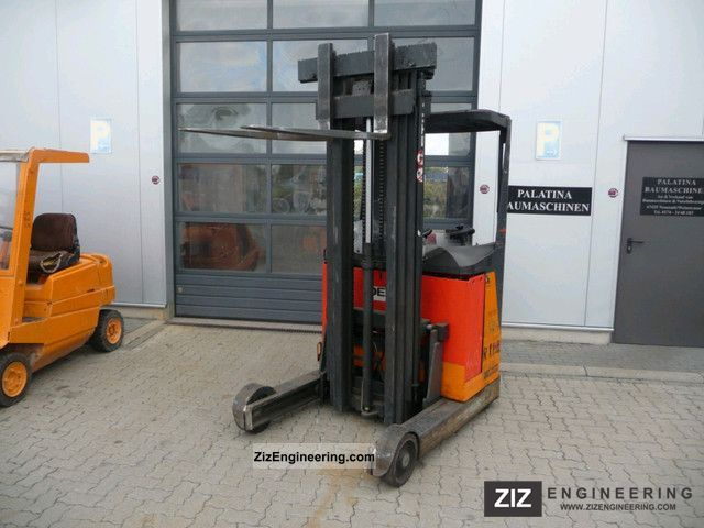 2005 Still  FM 14, battery built in 2005, reach trucks Forklift truck Reach forklift truck photo