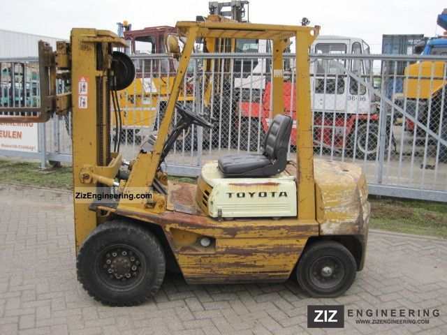 1990 Toyota  42-3FG25 Forklift truck Front-mounted forklift truck photo