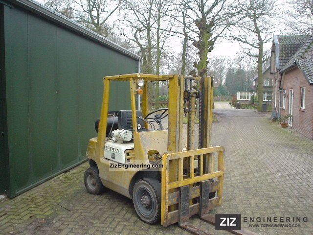 1987 Toyota  02 FG 25 Forklift truck Front-mounted forklift truck photo