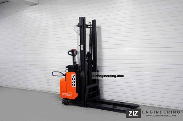 2003 Toyota  SLL 12.5 F, 3637Bts ONLY! Forklift truck Front-mounted forklift truck photo