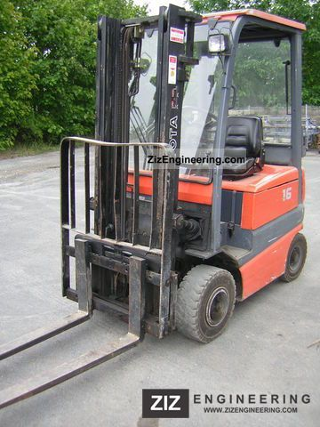 2000 Toyota  FBMF 16 Forklift truck Front-mounted forklift truck photo