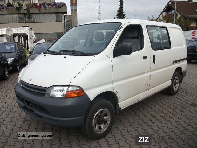 2001 Toyota  6-seater Hiace 4WD 2.4 TD Van or truck up to 7.5t Box-type delivery van photo