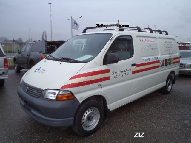2003 Toyota  Hiace D4D Van or truck up to 7.5t Box-type delivery van photo