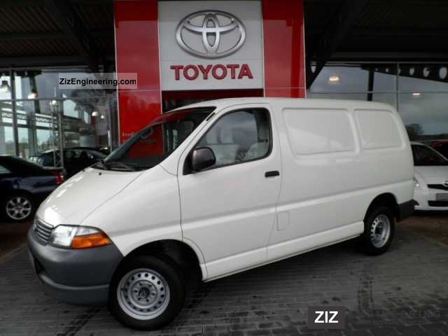 2004 Toyota  Hi Ace Box 2.5 D-4D * AHK * + winter tires Van or truck up to 7.5t Box-type delivery van photo