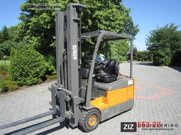 2005 Toyota  7 FBEF 15 Forklift truck Front-mounted forklift truck photo